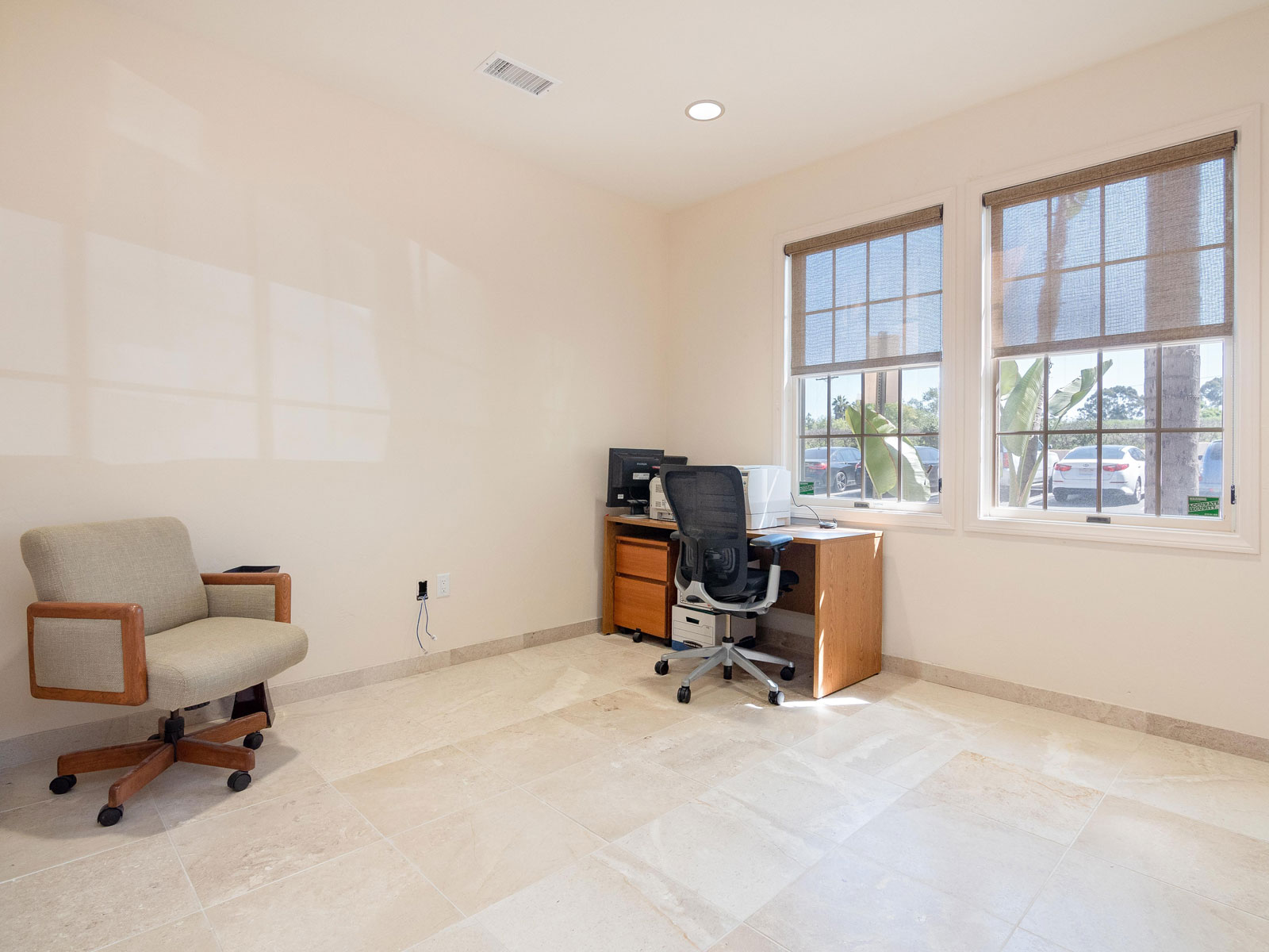 316-s-melrose-vista-ca-executive-suite-for-lease-1002
