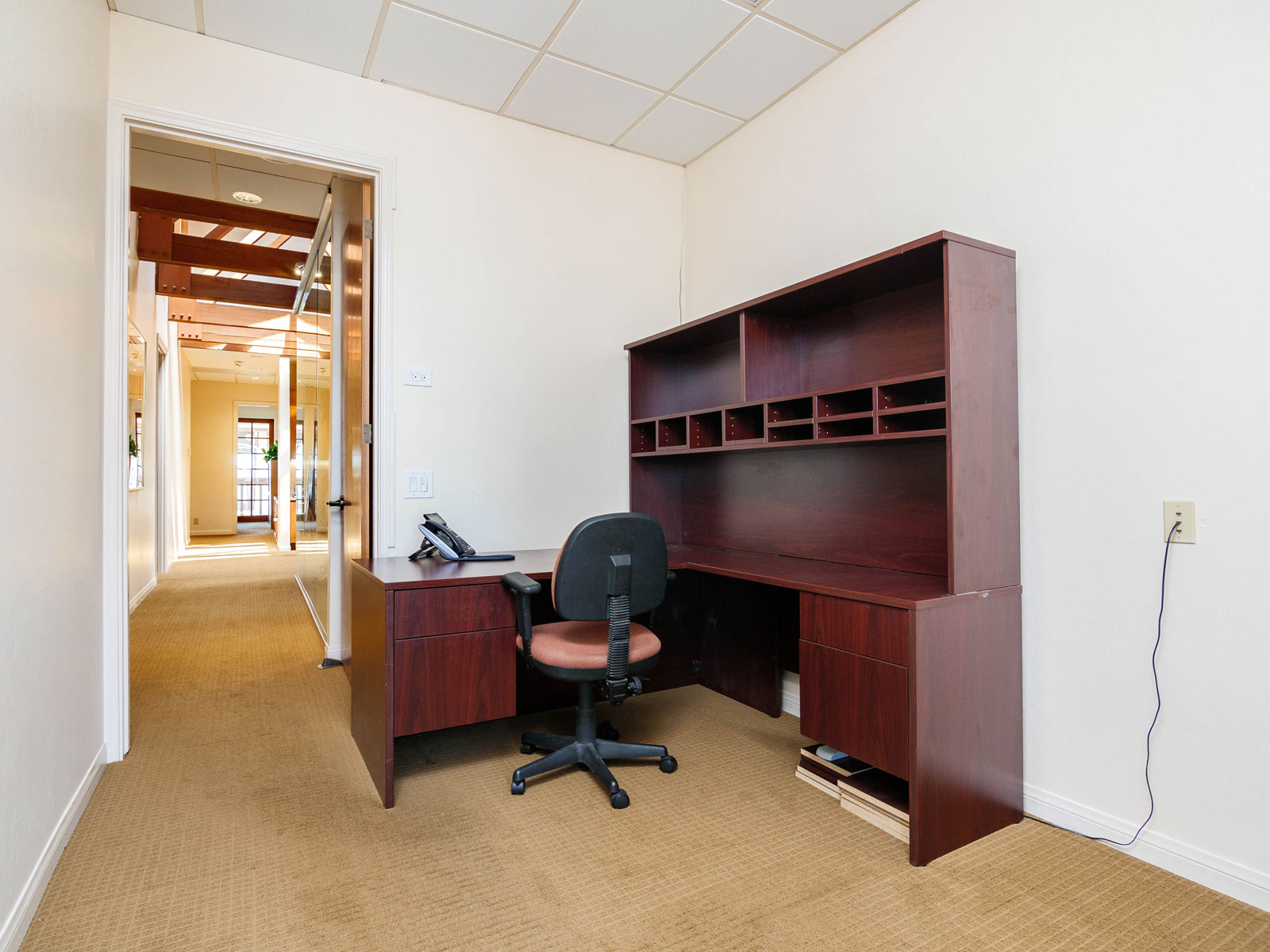 316-s-melrose-executive-office-for-lease-204