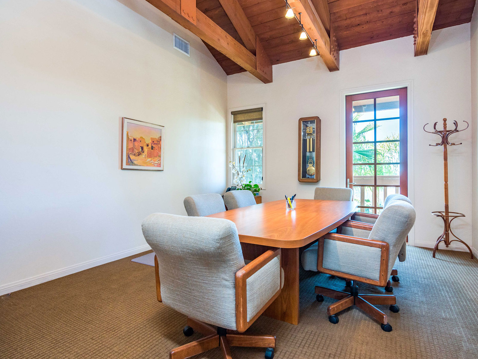 316-s-melrose-vista-ca-professional-office-for-lease-206-2